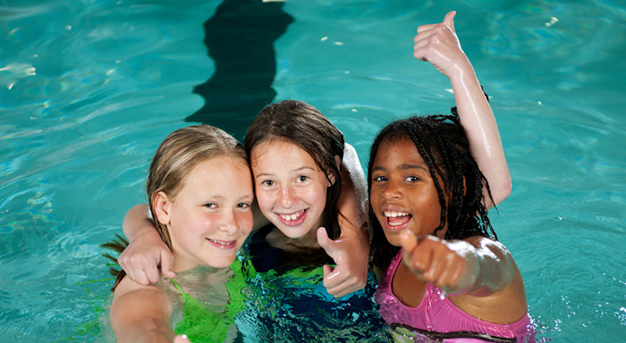 Pooldisco för hela familjen i äventyrsbadet på Fyrishov 267882f712961